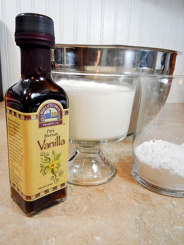 Ingredients for homemade vanilla whipped cream