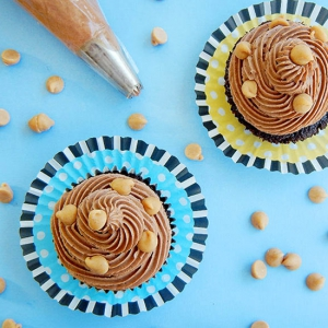 Frosting with chocolate and peanut butter